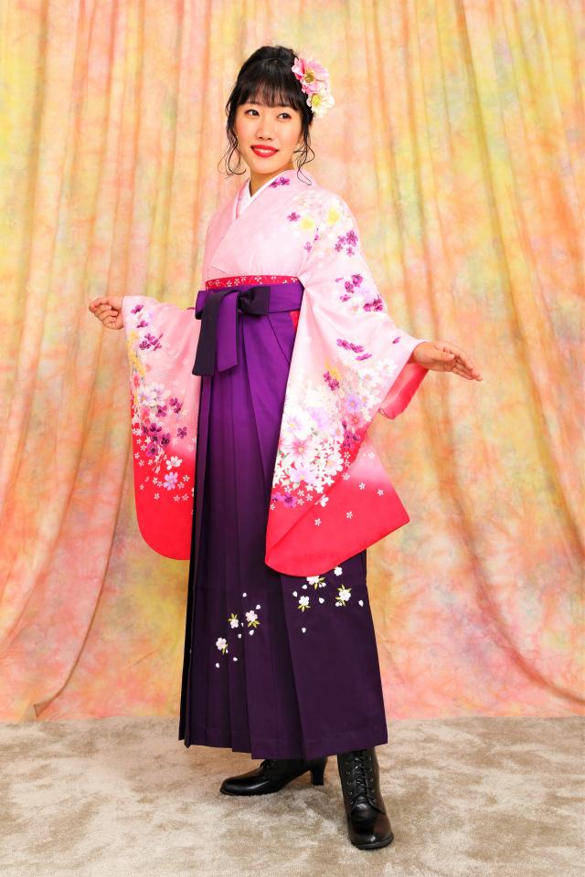 西宮出張着付け袴のレンタル ピンク地に桜