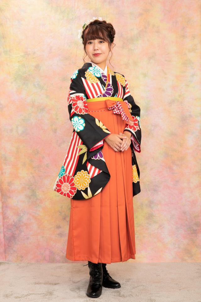 出張着付け尼崎袴のレンタル 黒菊