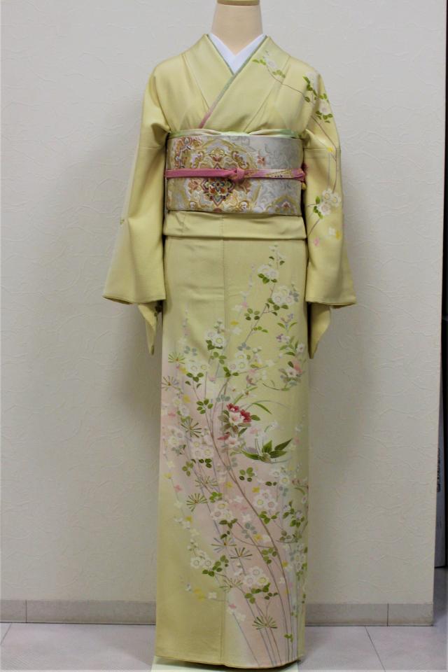芦屋出張着付けの2 薄黄色地に桜