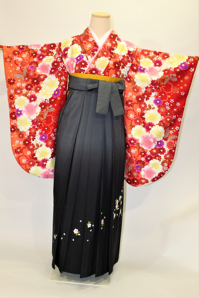 芦屋出張着付けの2 赤地に桜の二尺袖着物