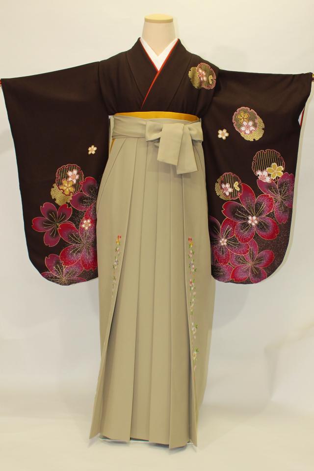 出張着付け芦屋の1 焦げ茶地に桜の二尺袖着物