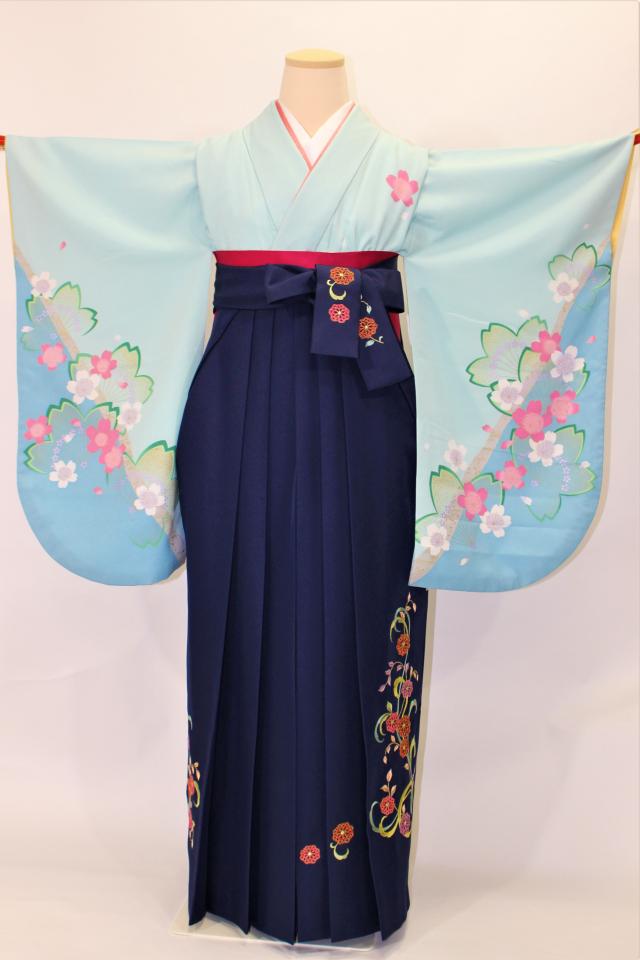 芦屋出張着付けの2 ブルー地に桜の二尺袖着物