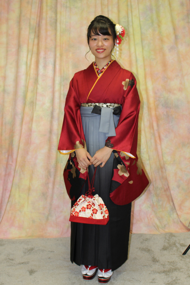 西宮 粋美サロンにて卒業袴の撮影