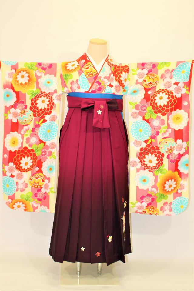 芦屋出張着付けの2 クリーム地に鞠と菊のお子様二尺袖着物